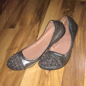 Xhileration Gray and Blush Sequin Flats